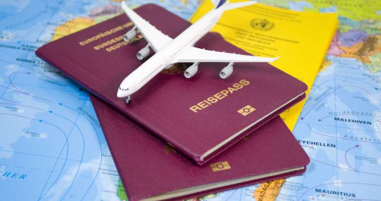How to cross borders using dual passports?